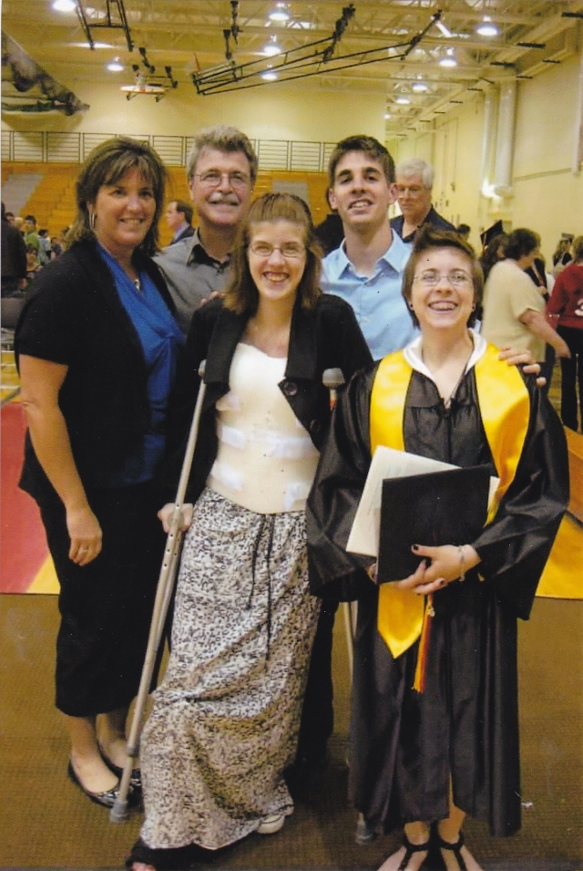 Lindsey with stepmom Deeanna, father Jim, siblings Jacob and Sarah