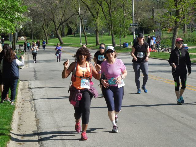 rachell and I during the race