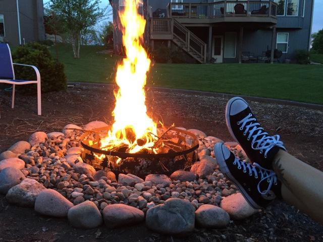 campfire pexels-photo-116475